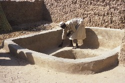 Building on people strengths: in Niger the SFLP helps the community of Tafouka to improve their own traditional fish farming system