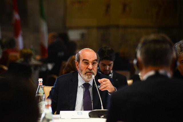 El Director General de la FAO, José Graziano da Silva, conversa durante la Reunión de Ministros de Agricultura del G7