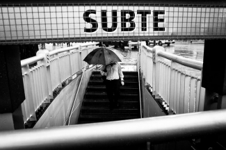 Man entering the metro in Buenos Aires, Argentina
