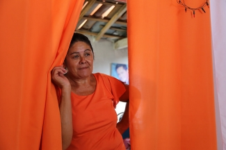 Farmer Gilda Campos, from the community of Baixio da Carapuça, in the semi-arid region of Pernambuco.