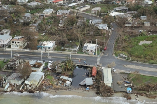 Vista aérea de Puerto Rico tras el paso del huracán María