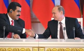 Vladimir Putin and Nicolas Maduro