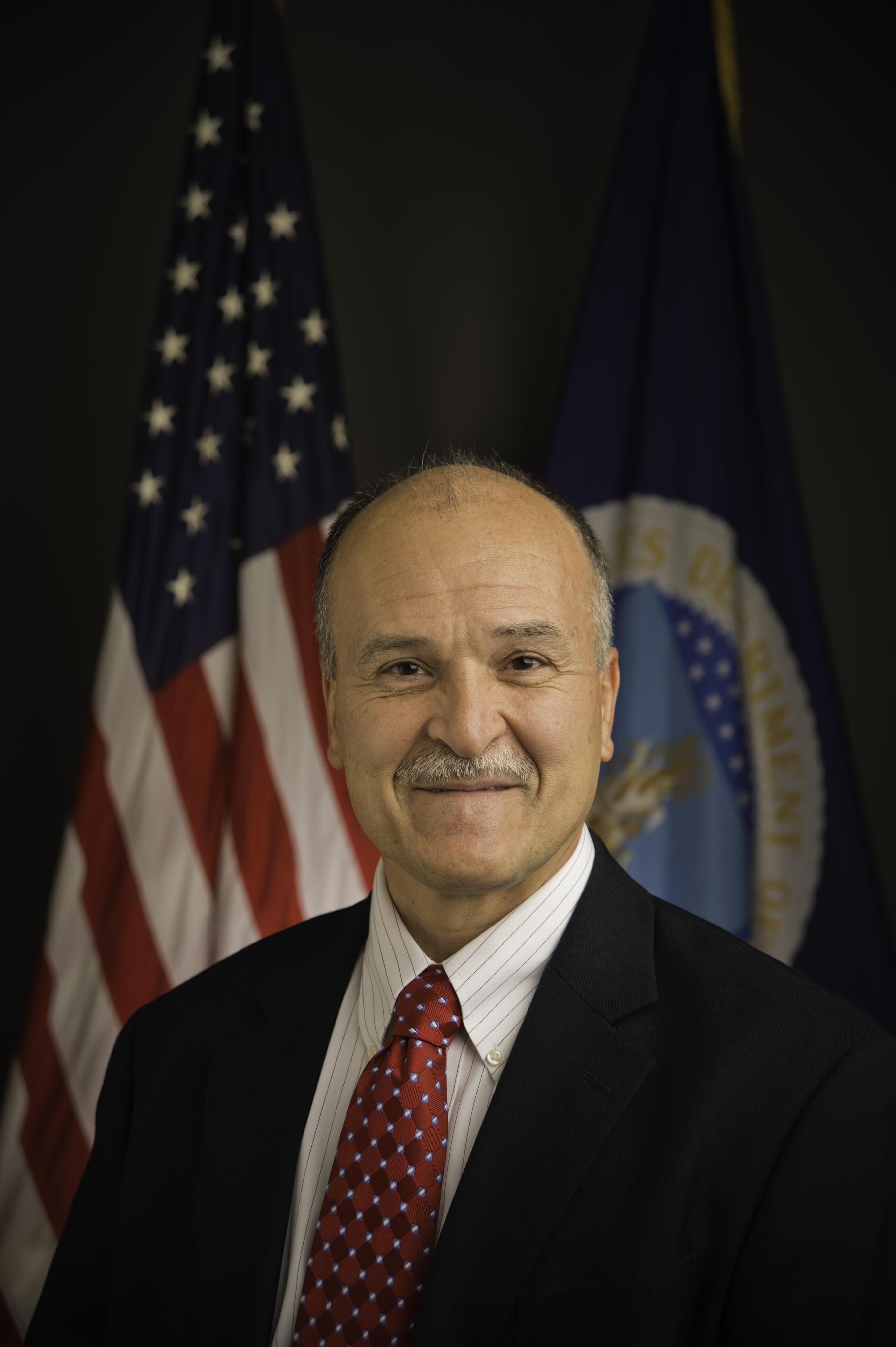 Dr Emilio Esteban