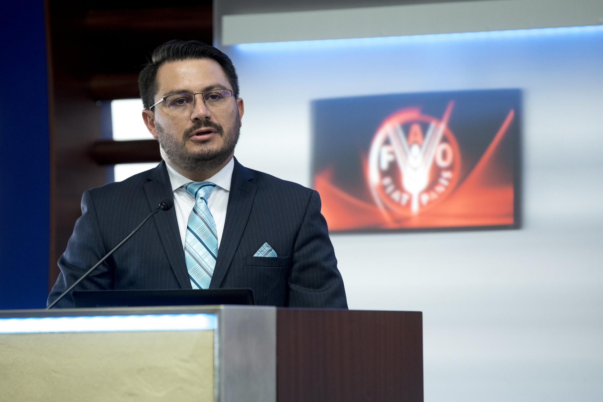 Carlos Mora Gomez
