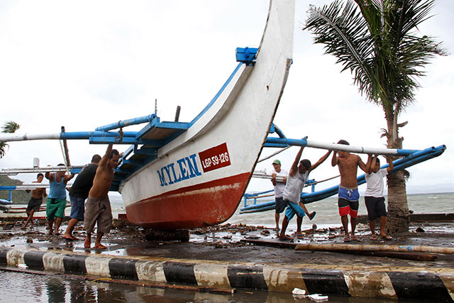 FAO praises government for early typhoon warnings to Philippine farmers and fishers