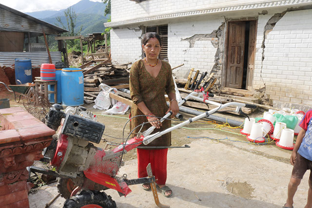 FAO earthquake emergency response helps empower women farmers in Nepal