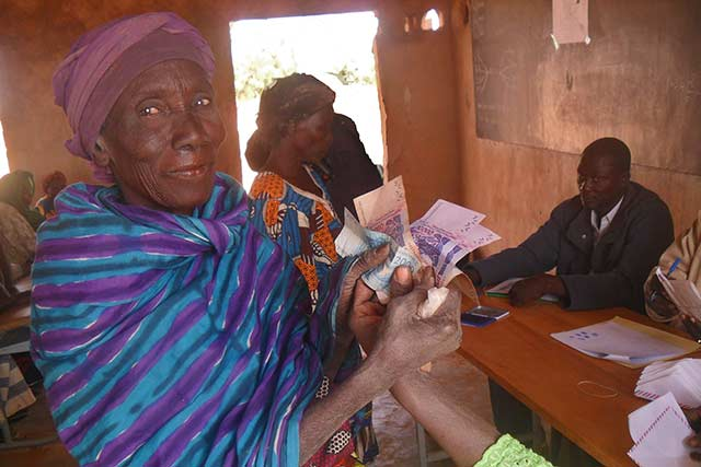 Cash Transfers and food security: FAO trains its staff and partners in Burkina Faso
