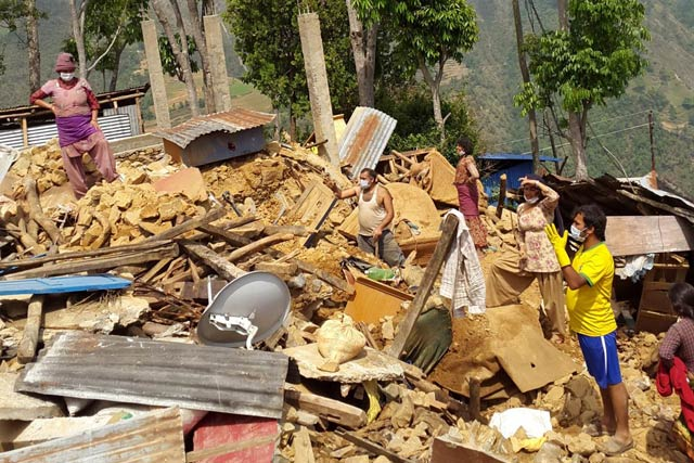 Growing risk of food insecurity after Nepal earthquakes, as monsoon approaches