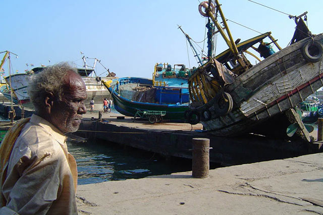FAO assessing damage in countries devastated by tsunamis in South Asia