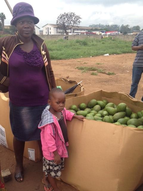 Harare market © Mireille Totobesola