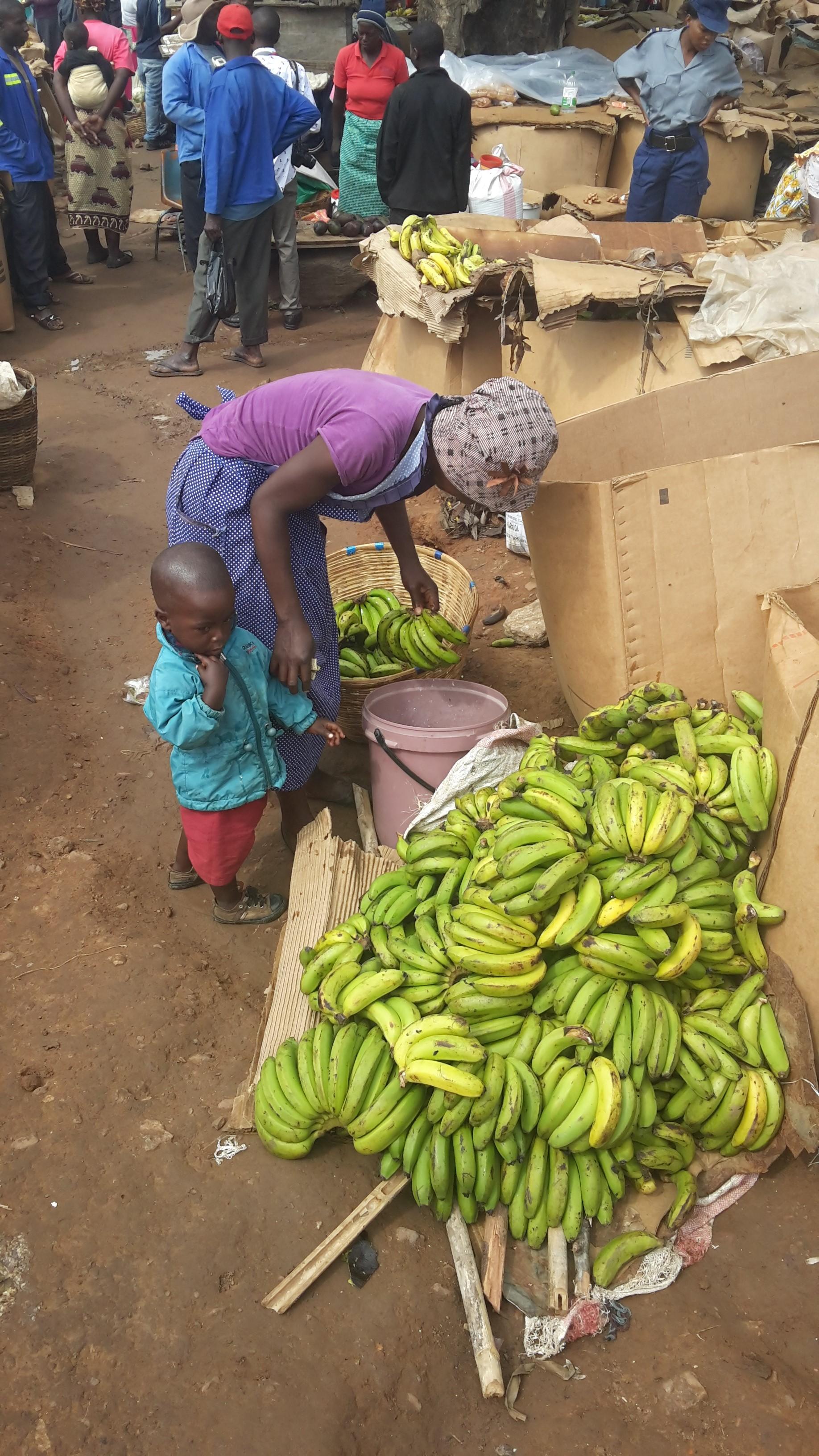 Harare market © Cephas Taruvinga/FAO