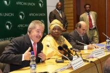 Da esquerda para direita, Luiz Inácio Lula da Silva, Nkosazana Dlamini Zuma e José Graziano da Silva.